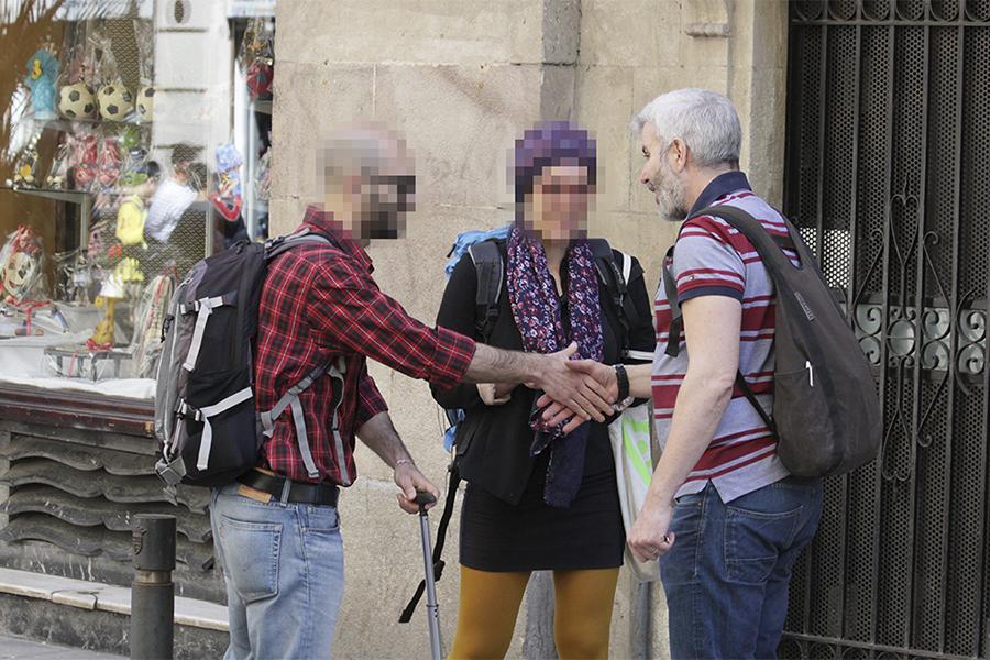Attivisti scoprono una rete di appartamenti turistici illegali gestita da Mark Serra. - Barn★Aut