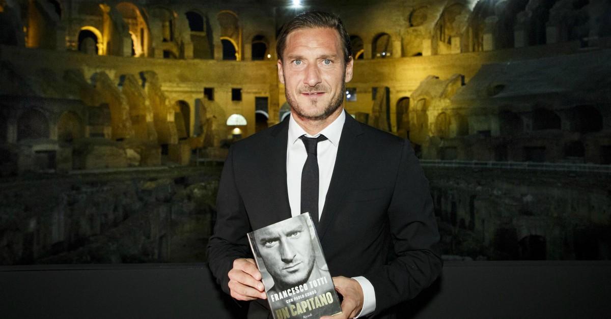 """Francesco Totti, """"Un Capitano"""" che piace (anche a chi lo odia) - Wuoow"""